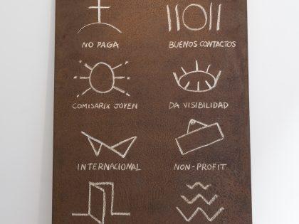 Manuel MInch: Código de artista 1, 2021. Óleo sobre acero, 243x121x2 cm