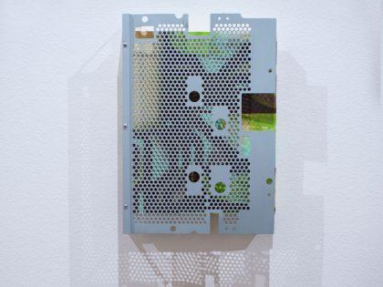 Néstor del Barrio: Diagrama 3, 2020. Acrílico sobre lienzo y marco metálico. 35x26 cm.