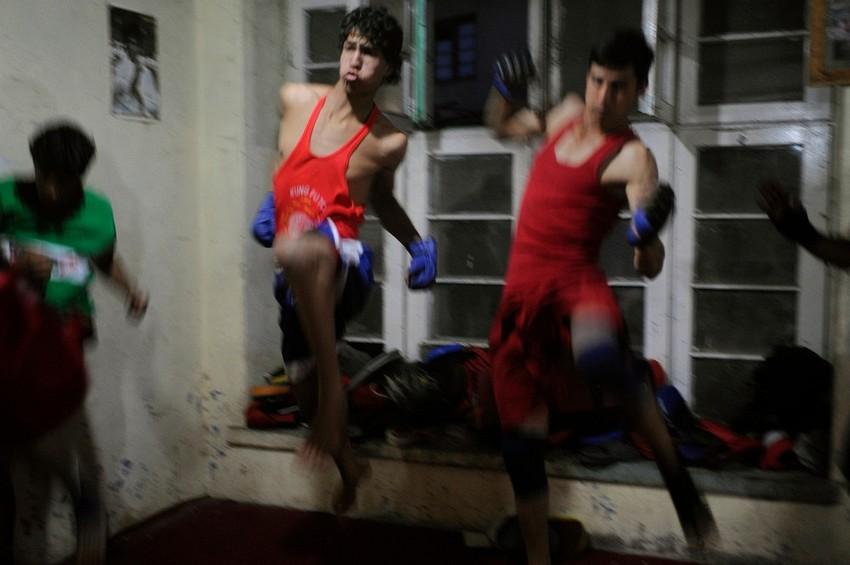 GUILLERMO CERVERA. Boxeadores entrenando en Kabul, Afganistán