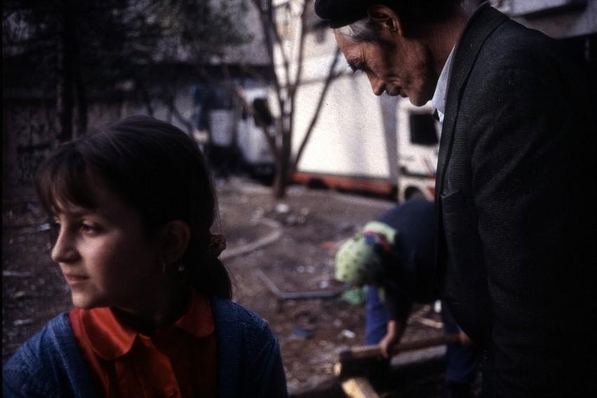 GUILLERMO CERVERA. Una nieta y un abuelo en la guerra de Mostar, Bosnia- Herzegovina