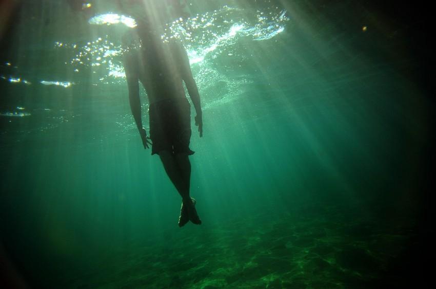 GUILLERMO CERVERA. Interior de una ola en la playa de San Juan, Lanzarote