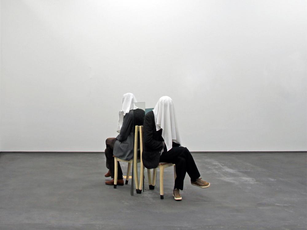 NOÉ SENDAS. The Rest is Silence II ( 2009. Técnica mixta. 100x70x230 cm.)