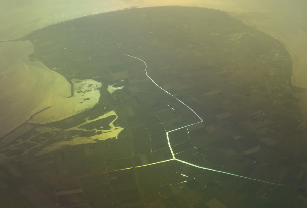 CARLOS IRIJALBA. The surface (2)