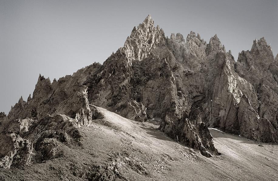 MICHAEL NAJJAR. High Altitude: nikkei_66-09